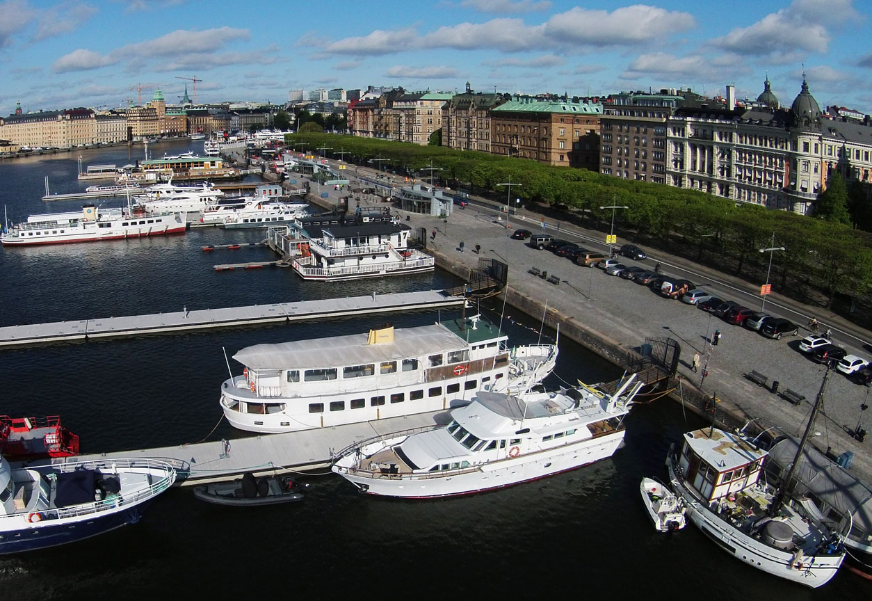 M/Y Gaia på Strandvägen i Stockholm